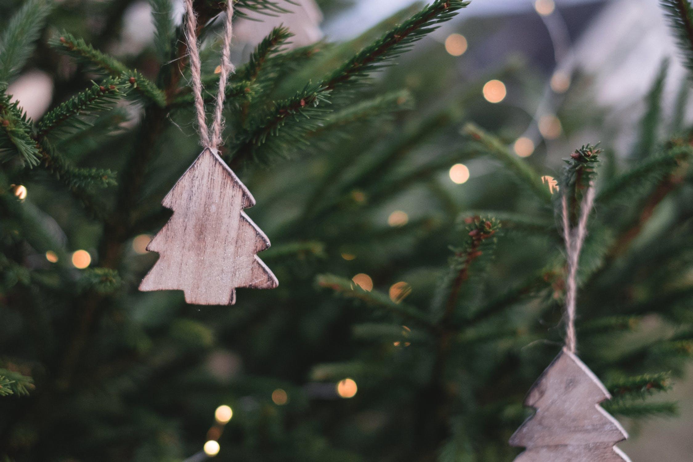 Frohe Weihnachten Wünschen Euch.Wir Wünschen Euch Frohe Weihnachten Und Ein Frohes Neues Jahr